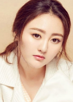 Ma Chengcheng as Wen Min (文敏)